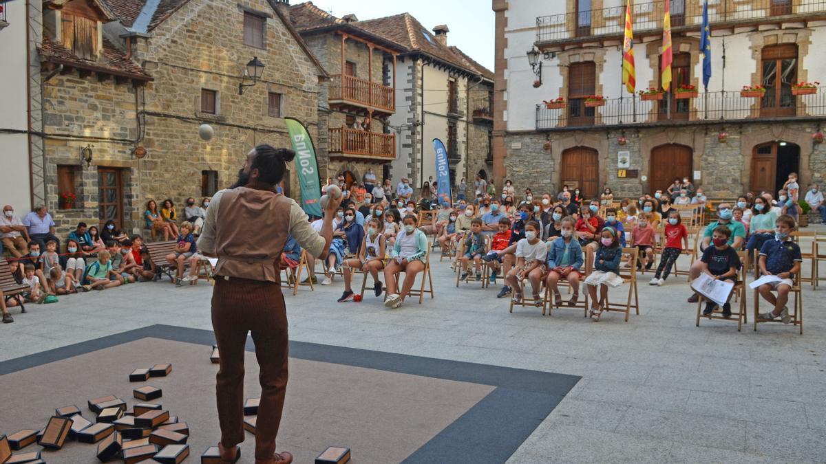 Espectáculo teatral Xampatito en Ansó, en el marco del festival SoNna Huesca este verano.