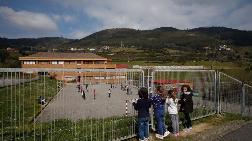 Los colegios de La Corredoria, Ventanielles y La Ería resisten al invierno demográfico