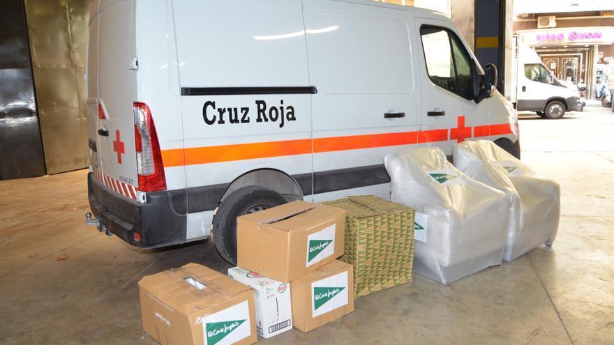 El Corte Inglés de Alicante dona artículos de primera necesidad y mobiliario a Cruz Roja