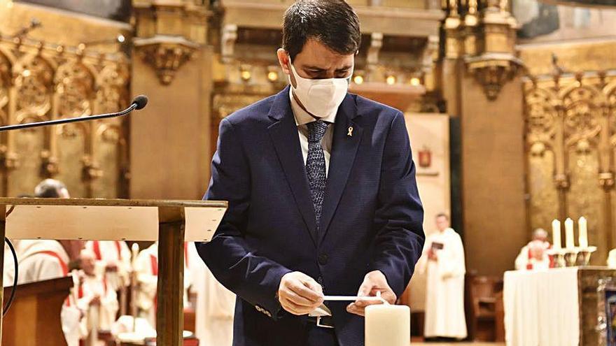 Igualada ofrena el ciri votiu a Montserrat