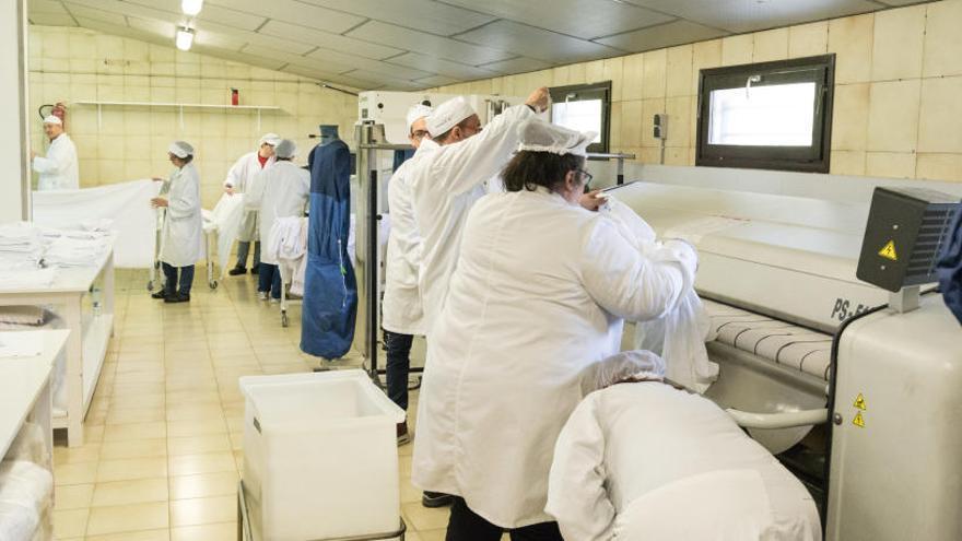 L'Associació pro Disminuïts presenta un ERTO per als 44 usuaris del Taller Coloma