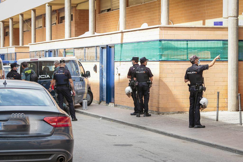 Intervención policial. Menudeo, gallos y tortugas en Ministriles, Lorca-3589.jpg