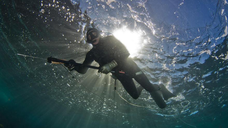 Rescatan a un pescador submarino que sufrió problemas de presión
