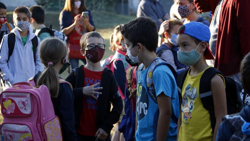 Només el 14% dels alumnes de secundària i el 35% dels de primària de les zones urbanes parlen català al pati