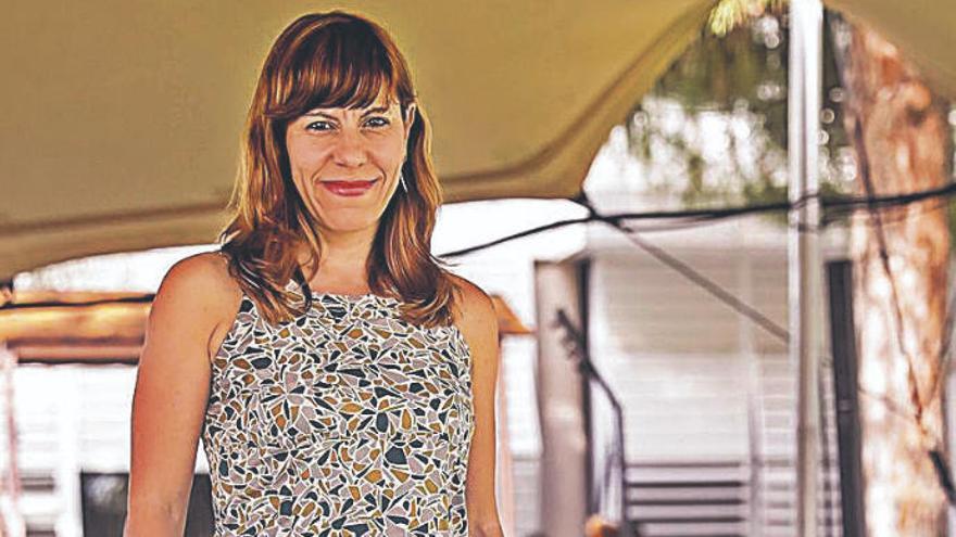 """Laura Camargo: """"Podemos y Més son zombis porque creen que están vivos"""""""