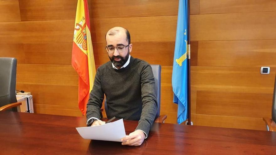 """La carta a los Reyes Magos del alcalde de Cangas del Narcea: salud, repetidores de televisión, mejor conexión a Internet y la """"apertura de alguna de las minas"""""""