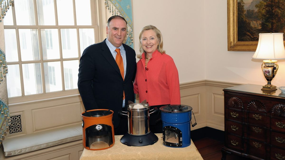 Jos� Andr�s con Hilary Clinton.jpeg