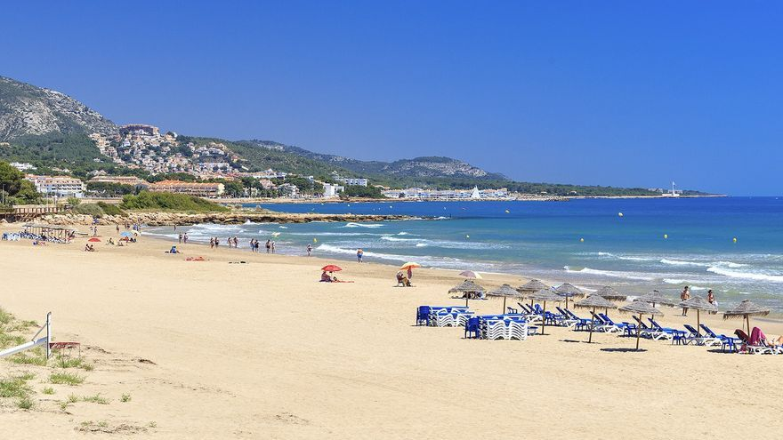Fallece un hombre en la playa de Alcossebre