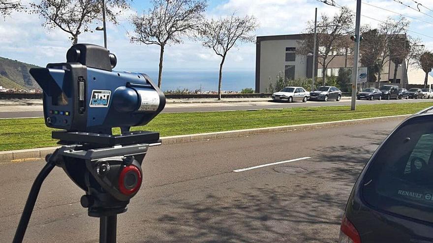 La Policía Local intensifica los controles de velocidad con un nuevo radar móvil