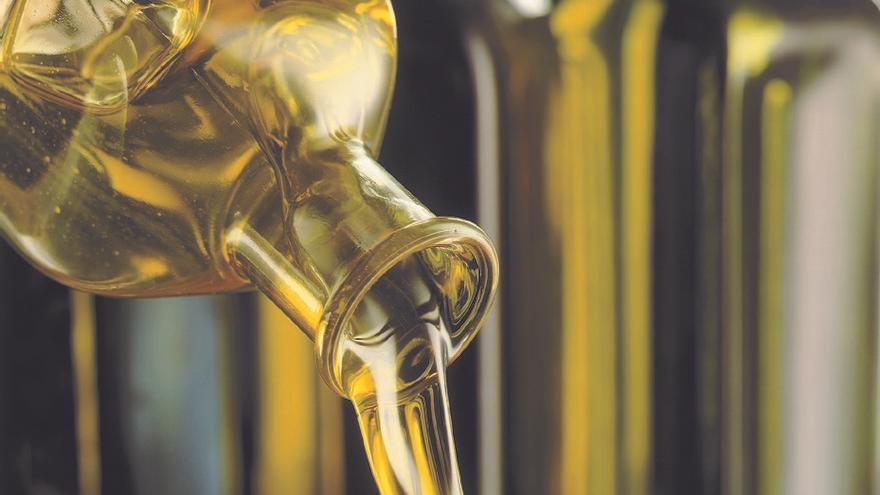 El decreto de calidad  del aceite de oliva prohíbe la mezcla y el 'refrescado'