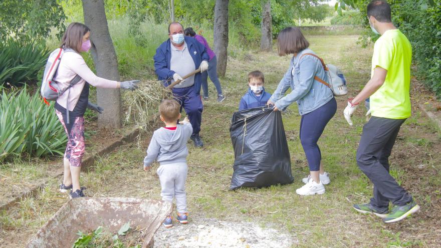 'Operación limpieza' en el poblado minero