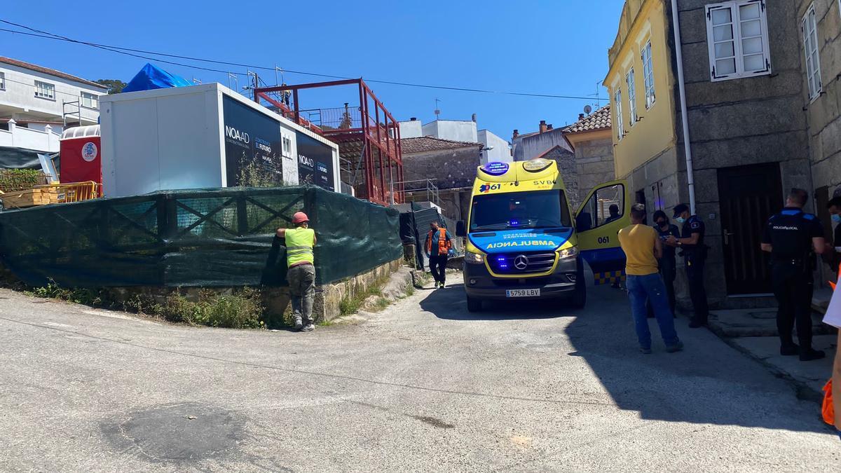 Los servicios de emergencias en el lugar del accidente, en Vilariño.