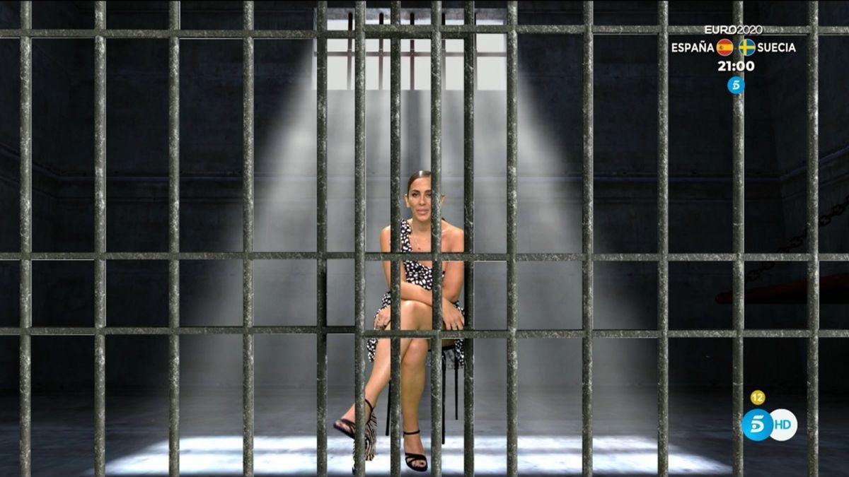 La imagen del día en Sálvame: Anabel Pantoja entra en la cárcel