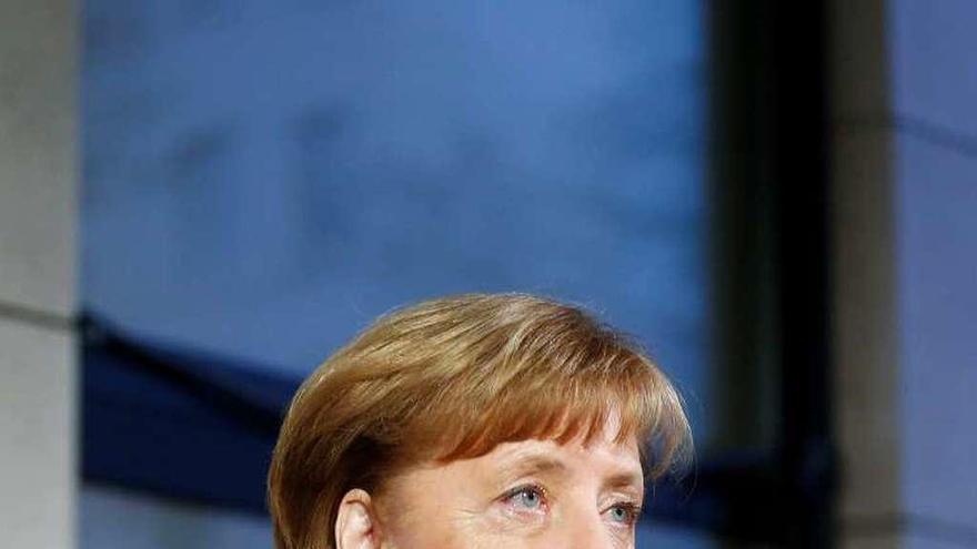 """Merkel ve """"grandes obstáculos"""" en la recta final del diálogo exploratorio con el SPD"""