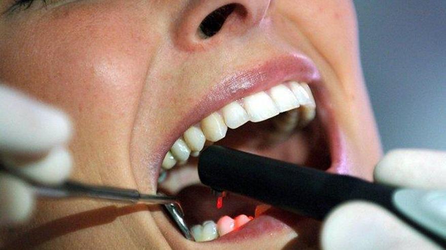 Condenada una clínica a indemnizar con 77.000 euros a una paciente por un tratamiento dental defectuoso