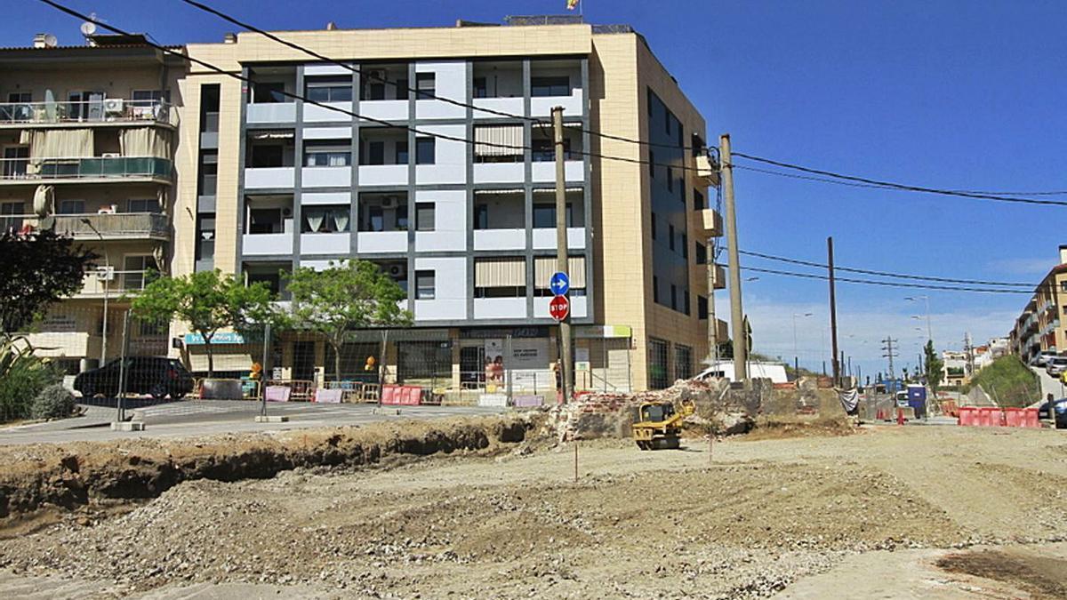 Aspecte actual de les obres en la cantonada sud de l'avinguda Estació amb Anselm Clavé. | DDG