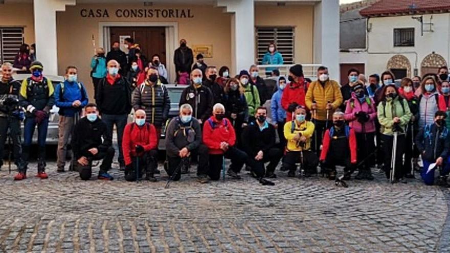La localidad fue escenario de la tercera marcha senderista comarcal