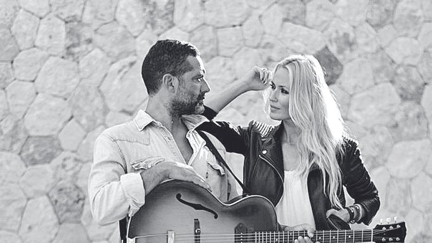 Anglada y Cerezuela le cantan a la 'Felicidad'