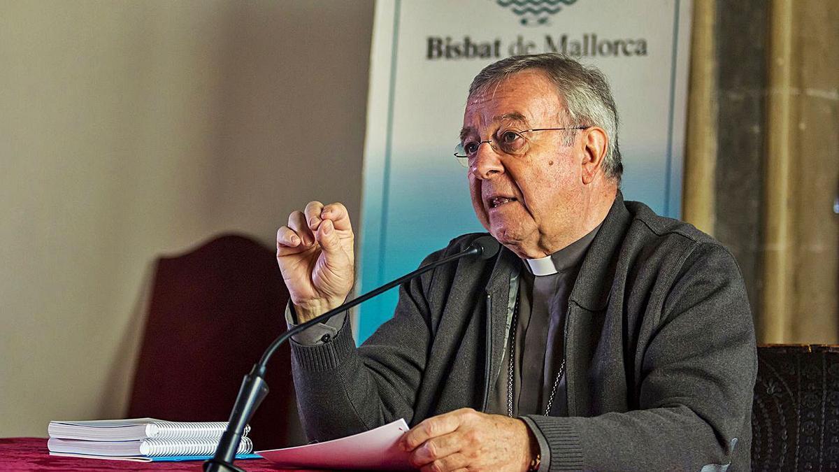 El obispo Taltavull se vacunó sin necesidad de justificar si entraba en los protocolos.