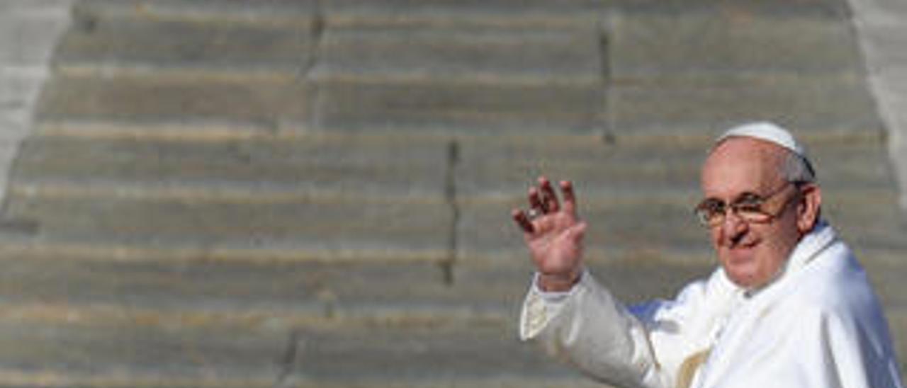 El Papa Francisco llena las librerías