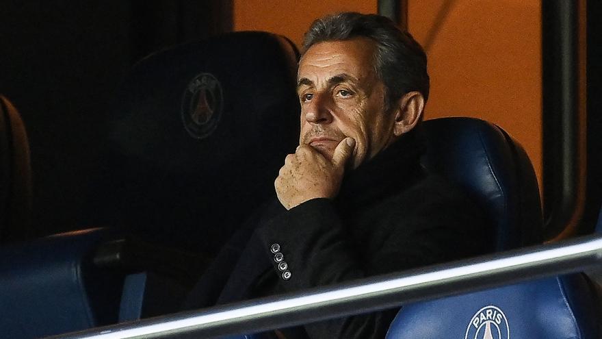 Sarkozy, ausente el primer día de su juicio por financiación irregular de su campaña en 2012