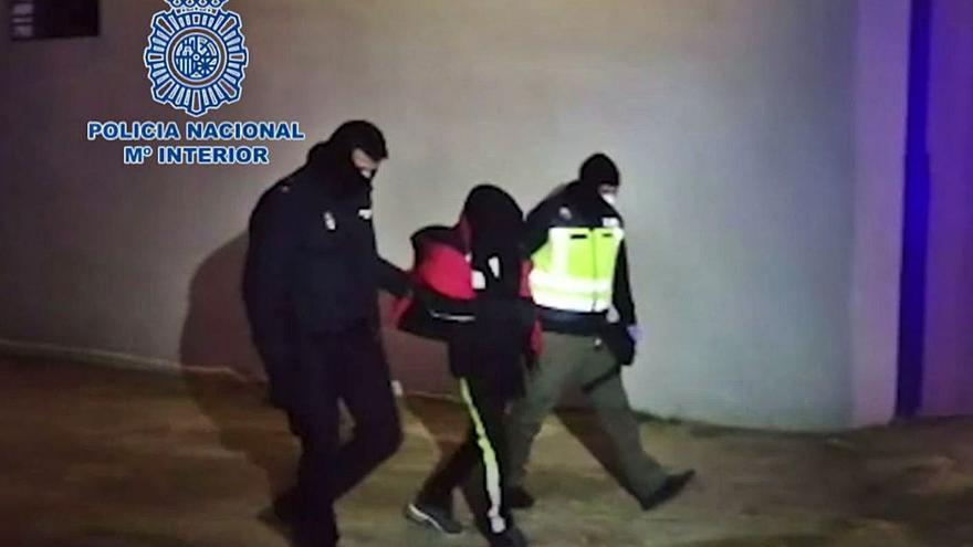 Amenaza en Castelló a varios peatones con un machete y gritos yihadistas