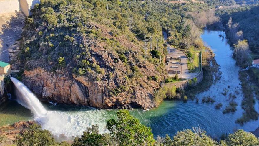 L'ACA allibera més aigua des de la presa de Darnius per millorar el riu la Muga