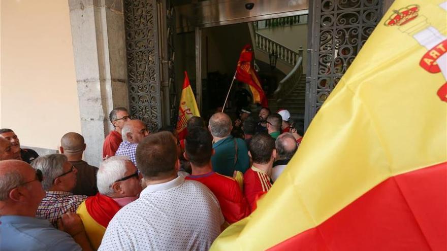 Investigan el acceso al Ayuntamiento de Castellón para lanzar papeletas por el 1-O