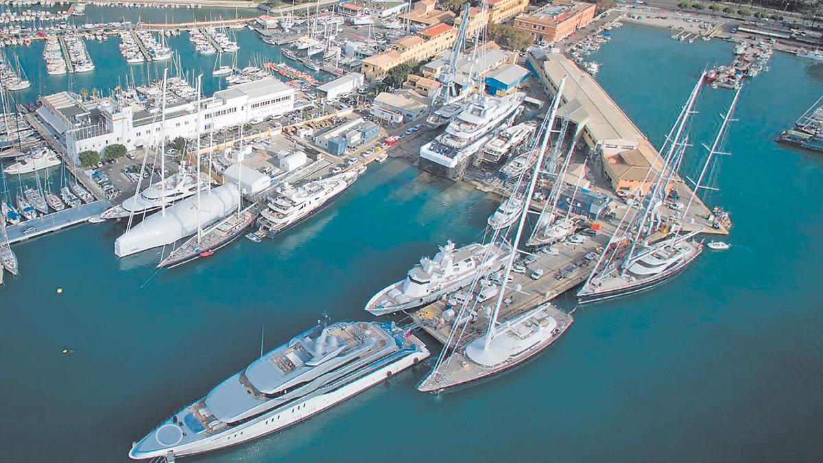 Astilleros de Mallorca tiene casi medio millar de empresas locales, registradas en su mayoría en polígonos de Mallorca, con las que trabaja conjuntamente en sus proyectos de reparación