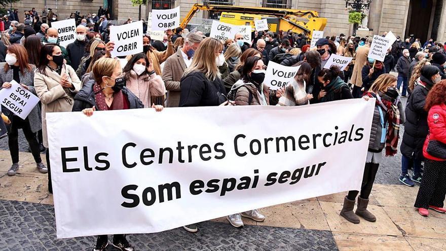 «Si el Corte Inglés obre, nosaltres també ho volem fer»
