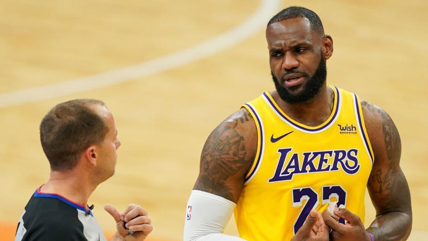 Los Lakers, líderes del Oeste al ganar de nuevo a Memphis