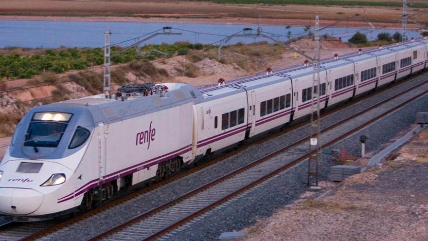 Renfe reduce la oferta de Cercanías entre Alicante y Murcia
