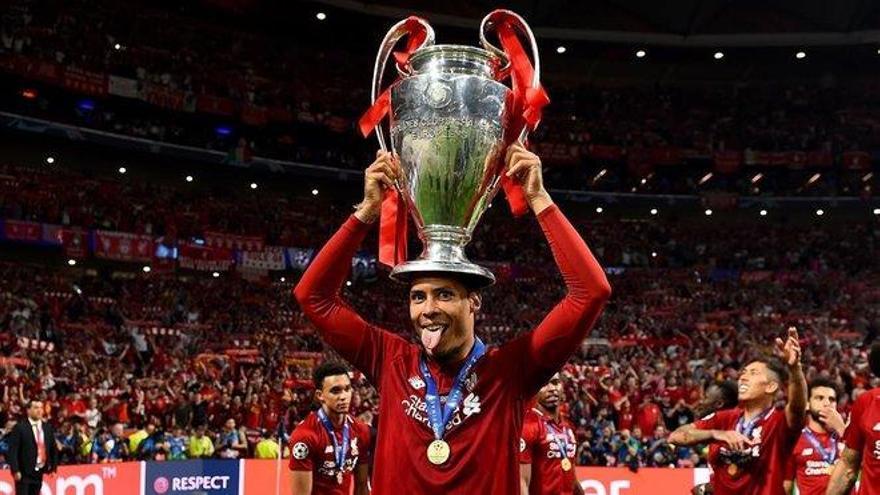 Van Dijk, Messi y Ronaldo pugnan por el premio The Best este lunes
