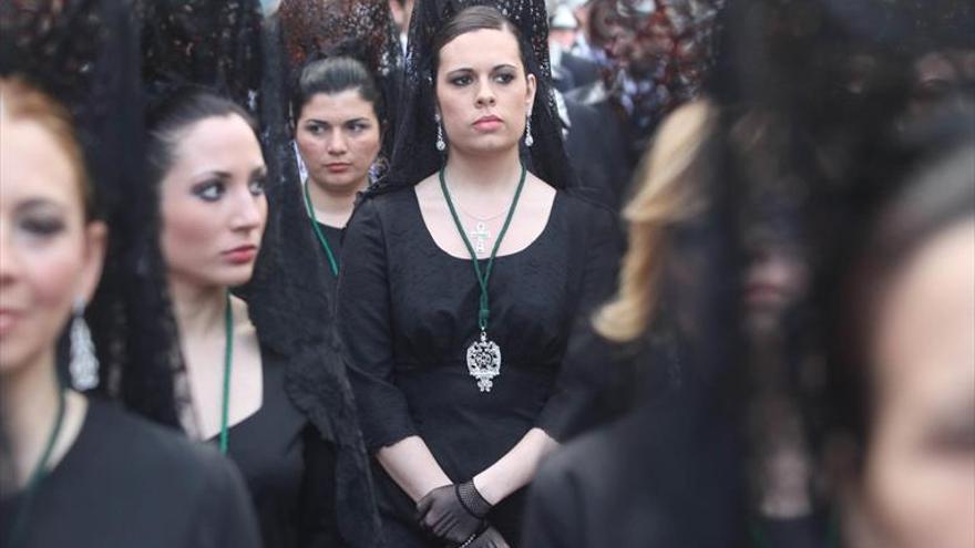 El Calvario y Los Dolores llevarán este año mantillas en sus cortejos