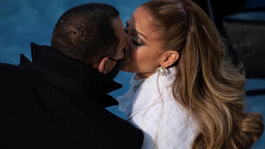 Jennifer López y Alex Rodríguez desmienten su ruptura