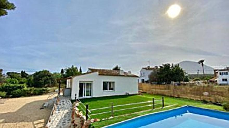 1.400 € Alquiler de casa en Jávea (Xàbia) 1300 m2, 3 habitaciones, 2 baños, 1 €/m2...