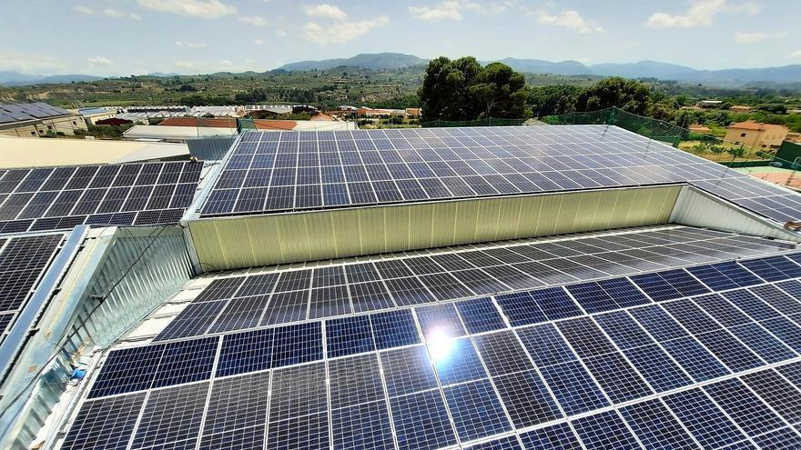 La CEV alerta de que la subida de las materias primas y la energía estrecha los márgenes empresariales