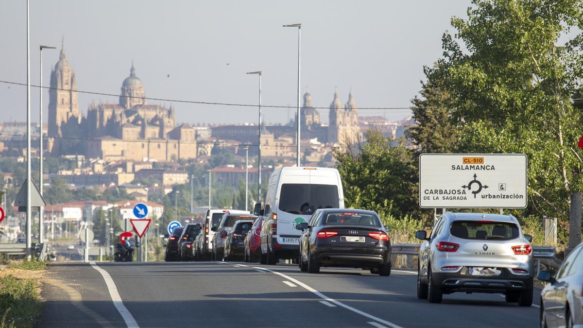Carretera de acceso a Salamanca.