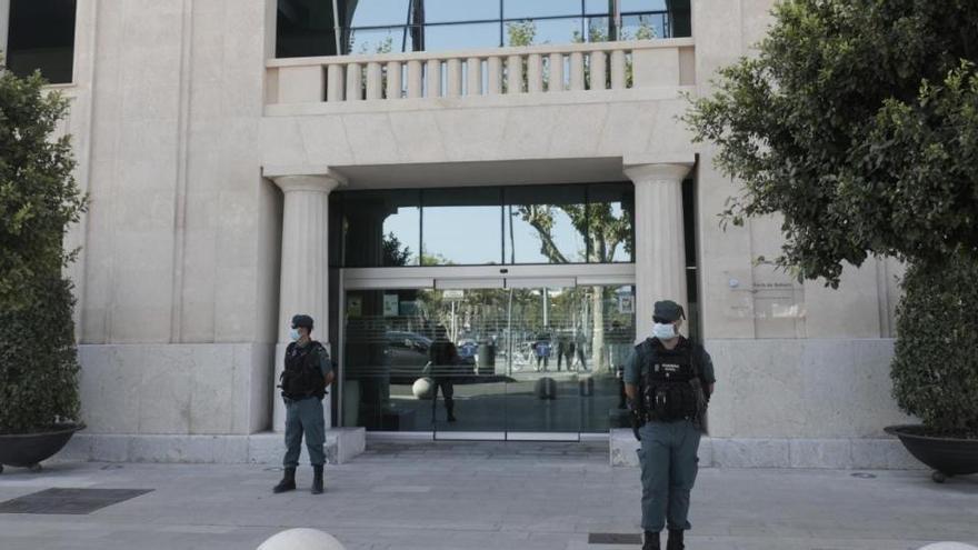 Detenido el presidente y los directivos de la Autoridad Portuaria de Baleares