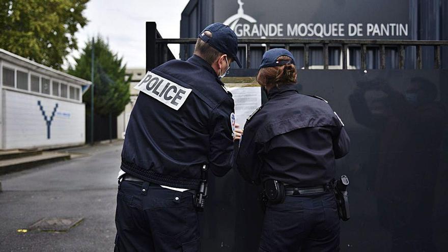 Tanquen una mesquita de París que va difondre un vídeo contra el professor assassinat