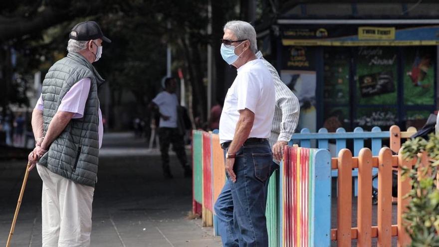 Los buenos datos libran a Canarias del toque de queda