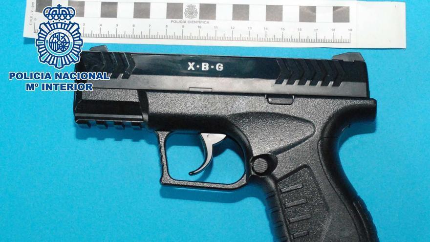 Atraca un estanco a punta de pistola en A Coruña y se lleva 600 euros