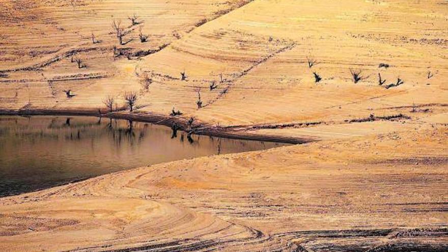 Medio Ambiente multa con 100.000 euros a dos eléctricas por el vaciado de cuatro presas