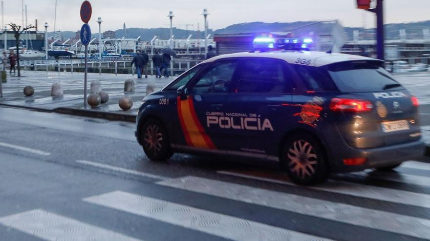 El dispositivo policial que permitió atrapar a una pareja de ladrones en Pumarín (Gijón)