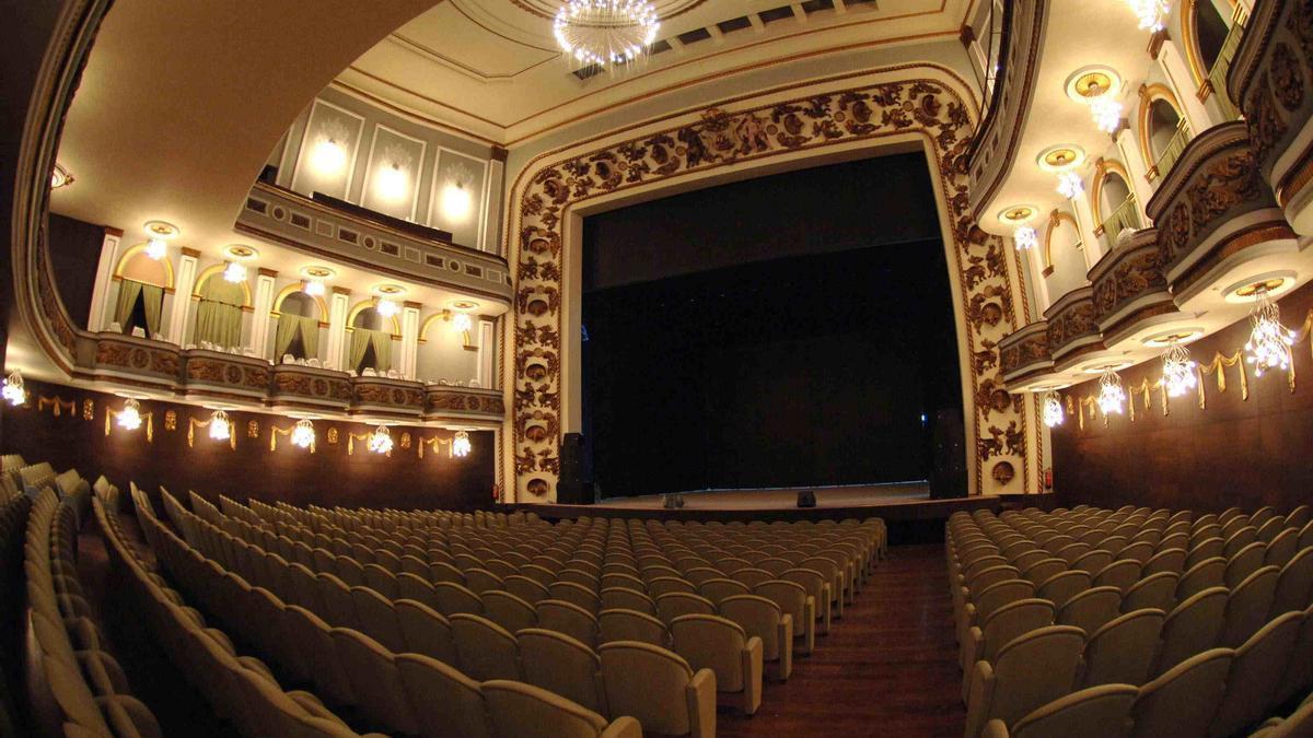 El Teatro Colón de A Coruña, vacío.