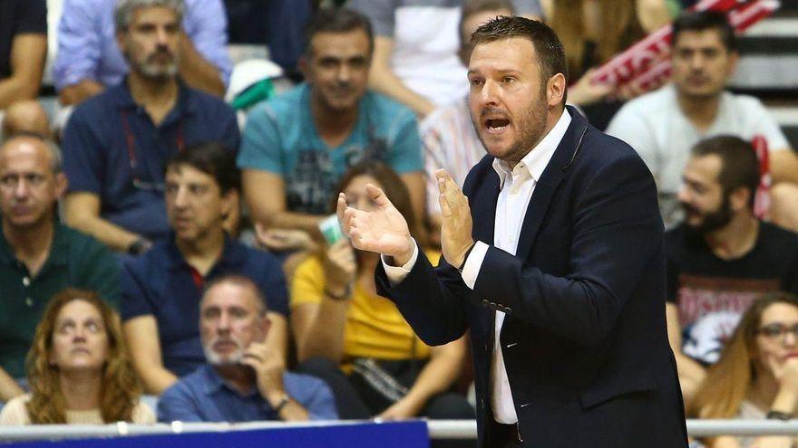 El TAU quiere apurar sus opciones al título ante el Oviedo