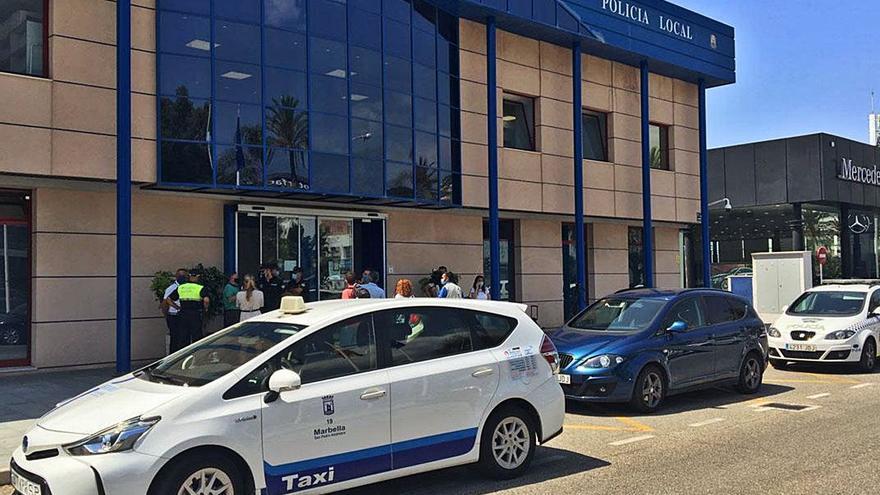 Imponen 175 sanciones contra los taxis pirata de Marbella desde el inicio del verano