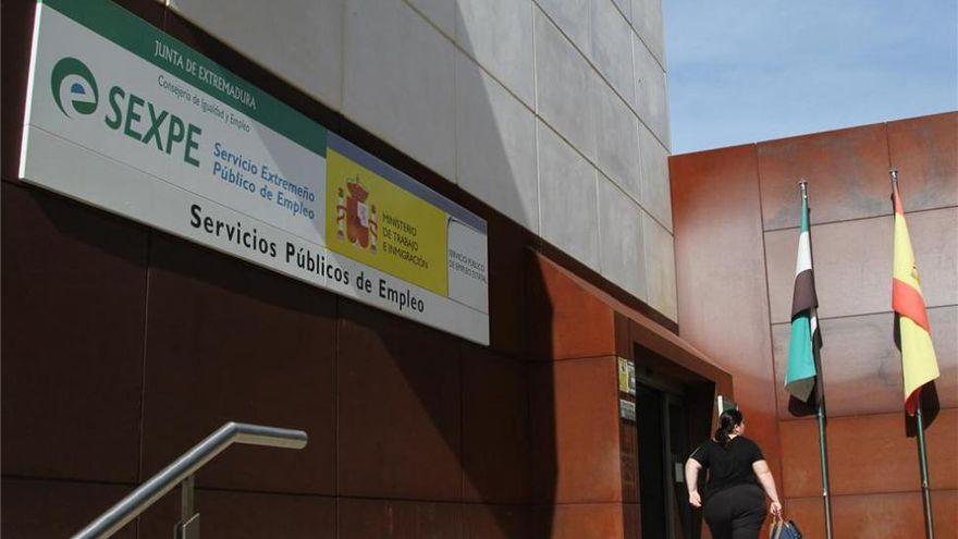 El paro baja en Extremadura en 4.600 personas en el tercer trimestre hasta los 90.500 desempleados