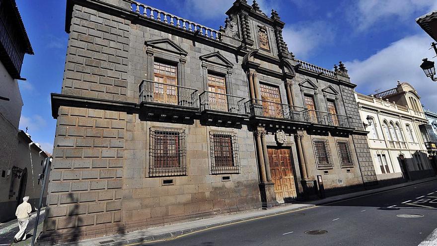 La eterna espera del Palacio de Nava