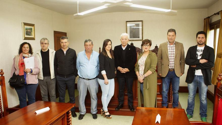 Adolfo Campos deja la Alcaldía de Dozón tras 33 años en el cargo
